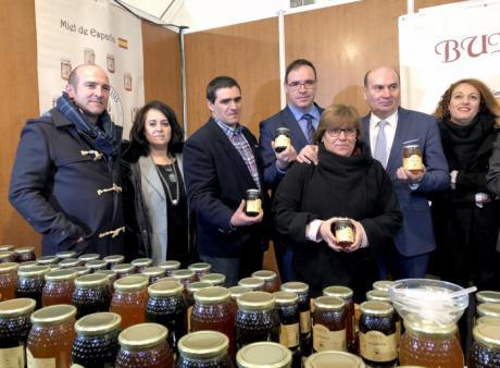 Prieto subraya el protagonismo del sector apícola en el desarrollo del medio rural