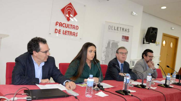 Los alumnos de la Facultad de Letras reivindican la importancia de los estudios del español