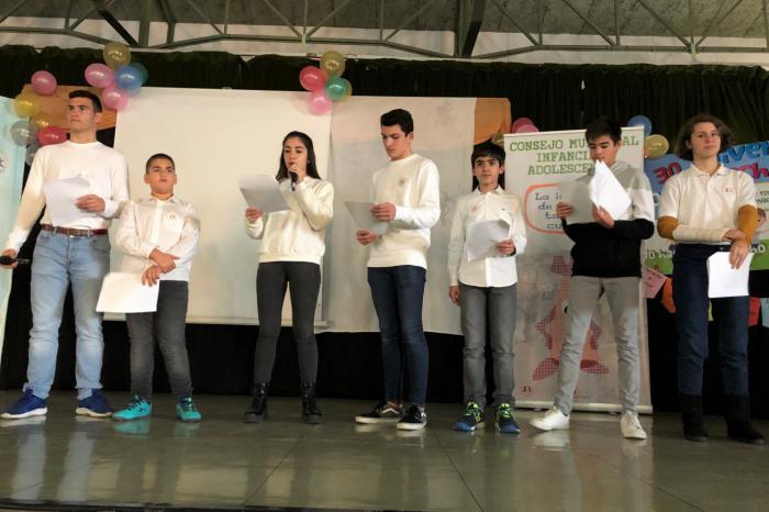 Los jóvenes miembros del Consejo Municipal protagonizan el acto del Día Universal de la Infancia