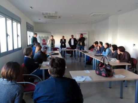 La Junta presenta la orden de ayudas al fomento de la inversión a una veintena de empresarios de La Mancha conquense