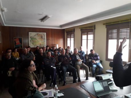 Delegados de UGT Cuenca negociarán con las patronales la instalación de contenedores de reciclaje en todos los centros de trabajo