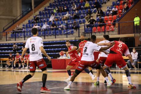 La derrota en León aleja al Incarlopsa Cuenca del sueño de volver a jugar en Europa (38-31)
