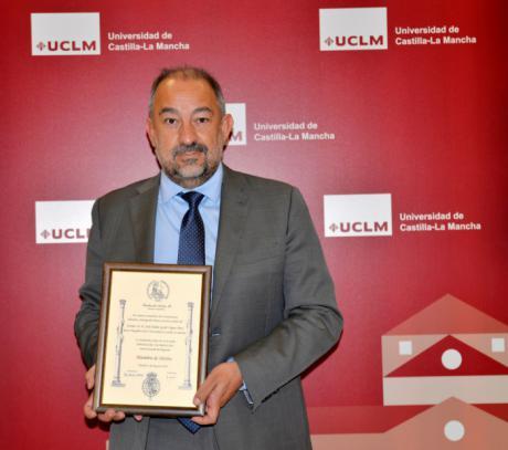 El rector de la UCLM, Julián Garde, designado Miembro de Mérito de la Fundación Carlos III