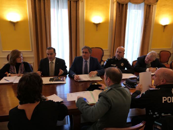 La Junta Local de Seguridad coordina el dispositivo especial de Navidad y la Campaña Comercio Seguro