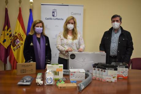 Se entregan kits de eficiencia y ahorro energético a mujeres víctimas de violencia de género en situación de vulnerabilidad