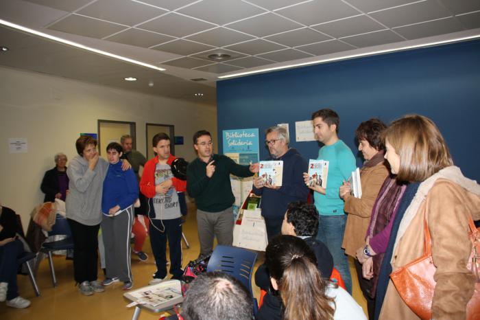"""Un nuevo punto de lectura en marcha en el Centro de Salud """"Cuenca I"""" gracias al programa """"Libros que curan"""" de la Biblioteca Solidaria"""