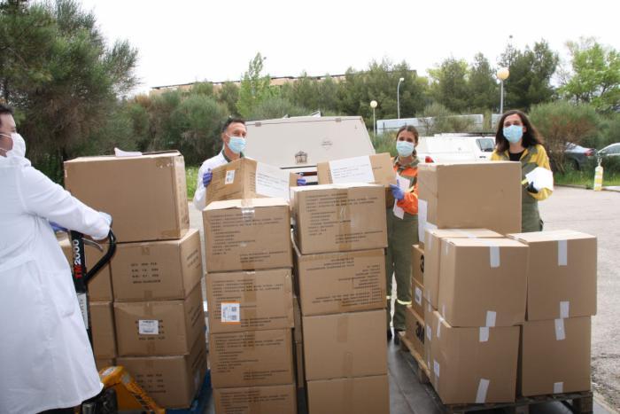 Otros 1.000 test rápidos para la detección del coronavirus y 14.000 artículos de protección han llegado hoy al área de Salud de Cuenca