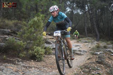 Israel Fernández y Lola Castellote se imponen en Zarzuela en la quinta prueba del XI Circuito MTB Diputación