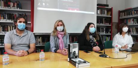 Marta Robles habla sobre prostitución, trata de blancas y racismo en su encuentro con lectoras en Mota del Cuervo