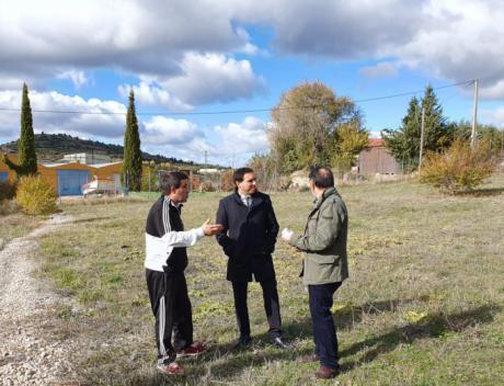 El Ayuntamiento de Priego cede a la Diputación los terrenos para la construcción del nuevo parque de bomberos