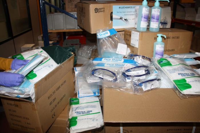 Casi 10.000 artículos de protección para los profesionales de los centros sanitarios y sociosanitarios de la provincia