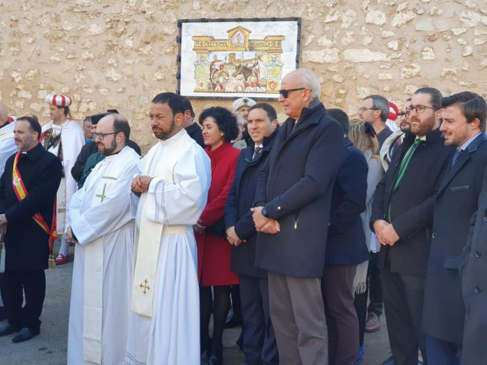 Martínez Chana ha mostrado su apoyo a los Moros y Cristianos de Valverde para solucionar los problemas con la pólvora