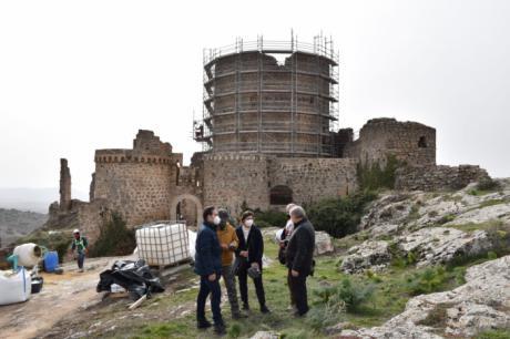 Comienzan las obras de restauración de la torre del homenaje y la muralla del conjunto histórico de Moya