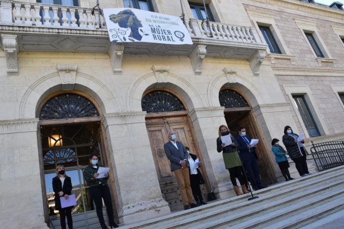 La Diputación celebra el Día Internacional de la Mujer Rural con la lectura de un manifiesto y el recitado de una poesía