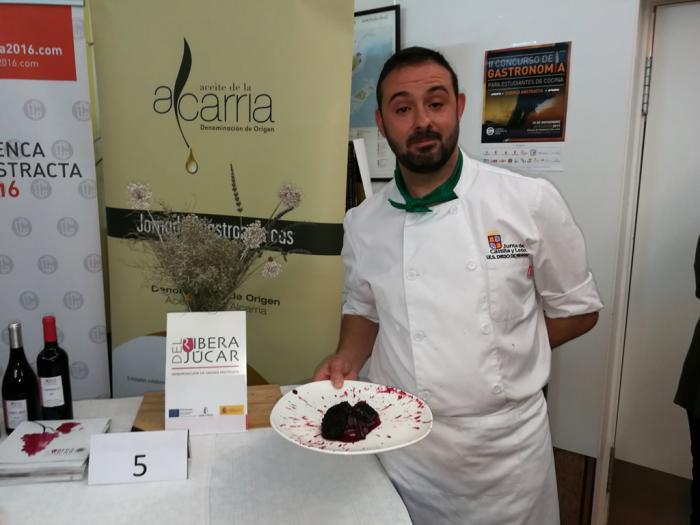"""Marcos Sánchez Enríquez, del IES Diego de Praves, de Valladolid, ganador del II concurso de gastronomía para estudiantes """"Cuenca Abstracta"""""""
