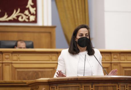 Roldán solicita al Gobierno regional que se comprometa a que todos los espacios públicos dispongan de un desfibrilador antes de que finalice el año