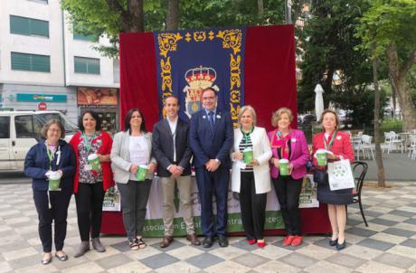 Diputación de Cuenca colabora un año más con la AECC instalando una mesa petitoria en la cuestación anual contra el cáncer
