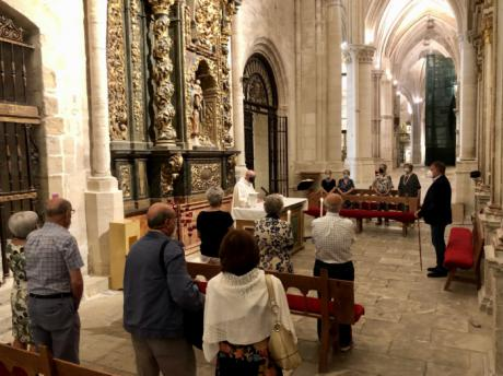 La Catedral acoge la tradicional misa en honor a la Virgen de la Nieves