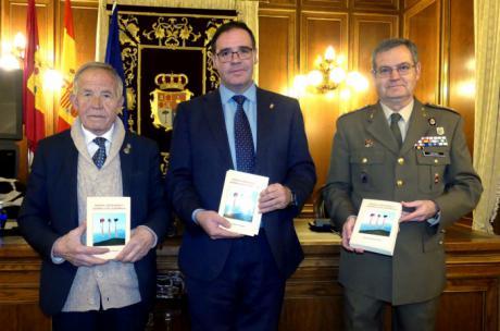"""Prieto resalta el rigor y la objetividad de Manuel Navarro en su último libro """"Moros, Cristianos y Guerra Civil Española'"""