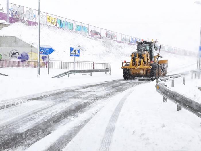 El 77 por ciento de la Red Regional de Carreteras está afectada por la nieve y el hielo que está dejando la borrasca 'Filomena'