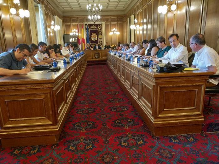 La concejala del Ayuntamiento de Iniesta rocío pardo ha sido nombrada Diputada provincial