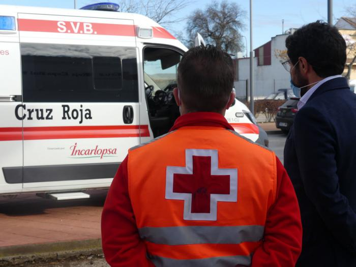 Cruz Roja pone en funcionamiento una nueva ambulancia SVB en la provincia gracias a Incarlopsa