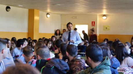 Núñez apuesta por seguir cuidando un régimen de libertades, democrático y constitucional para no tener que lamentarnos en el futuro