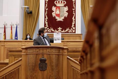 """Núñez a Page: """"Hoy es un día clave, hay que votar si estamos al lado de los autónomos o al lado de Sánchez. Yo lo tengo claro"""""""