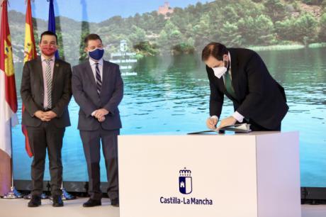 Núñez celebra que, gracias a su iniciativa, hoy la región firme un acuerdo histórico en defensa del agua de Castilla-La Mancha