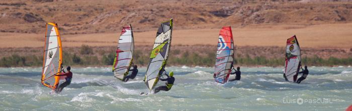 El club conquense CKSC del embalse de Alarcón en el Campeonato open de Aragón de Slalom-Windsurf 2020