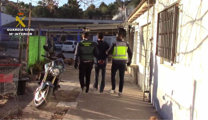 La Guardia Civil detiene a dos personas por lesiones y amenazas con arma blanca y de fuego