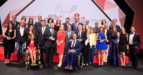 Lorena Mayordomo, responsable de Informativos de Onda Cero Cuenca, galardonada con el Premio Periodístico de Seguridad Vial