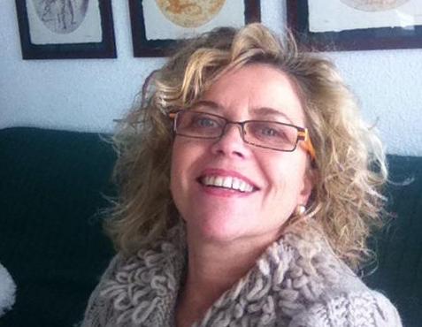 Paloma Alfaro nueva académica de la RACAL