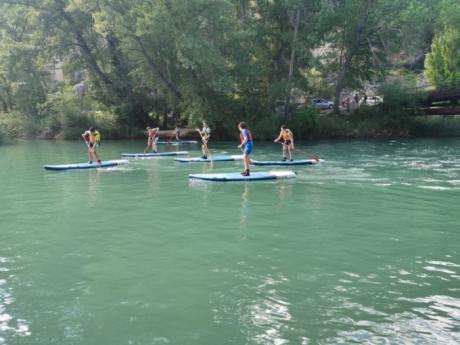 El Club Piragüismo Cuenca con Carácter y Decathlon Cuenca introducen el Paddle Surf en el Júcar