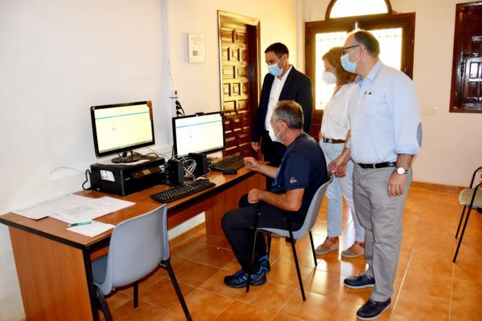 Diputación y Junta invierten 555.000 euros para que 212 pueblos tengan un Punto de Inclusión Digital