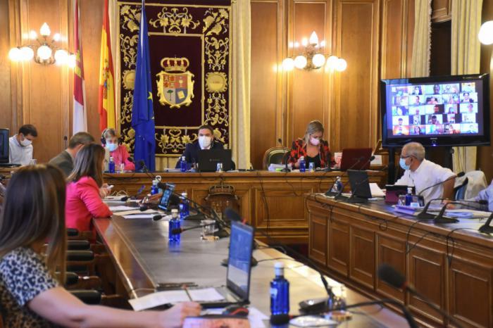 La Diputación aprueba destinar 500.000 euros para ayudar a los ayuntamientos en la limpieza de colegios de la provincia