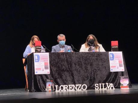 """Lorenzo Silva pone en valor el """"sentimiento castellano"""" durante la presentación de su libro en Tarancón dentro de 'Cuenca Lee'"""