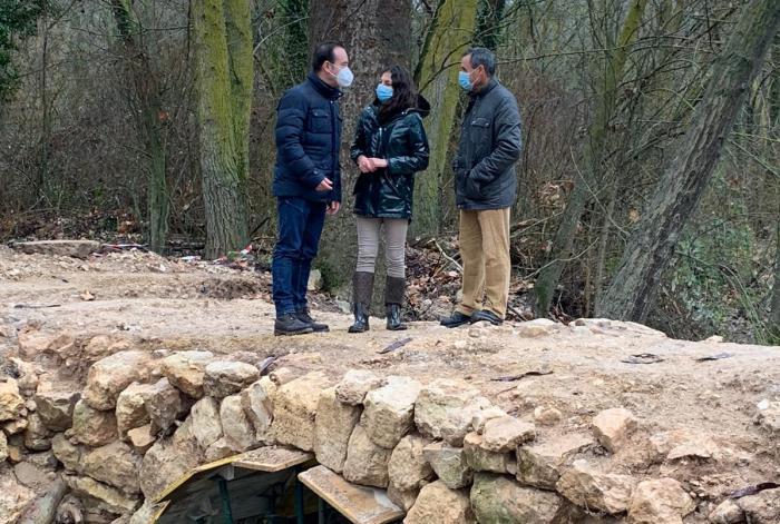 Se invierten 50.000 euros en restaurar el puente romano 'Los baños' enclavado en Saelices