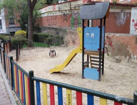 El Grupo Municipal Socialista insta al Alcalde a cumplir la moción aprobada hace dos años para acondicionar las zonas infantiles