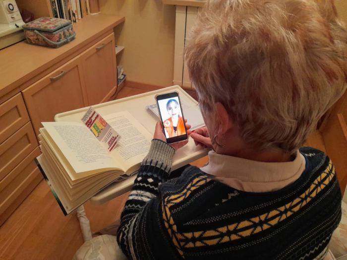 Talleres de Lectura por WhatsApp que favorecen las relaciones personales entre mayores