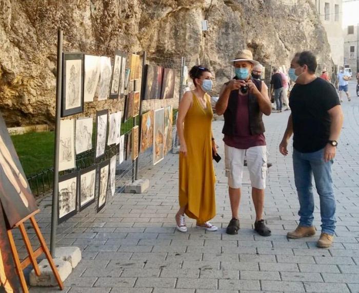 Satisfacción con la acogida del Paseo del Arte al que ya se han sumado veinte los artistas locales