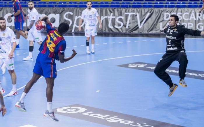 Derrota del Incarlopsa Cuenca en su visita al Palau Blaugrana (38-26)