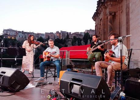 Petit Swing alza el telón en el escenario Solán de Cabras de Estival Cuenca
