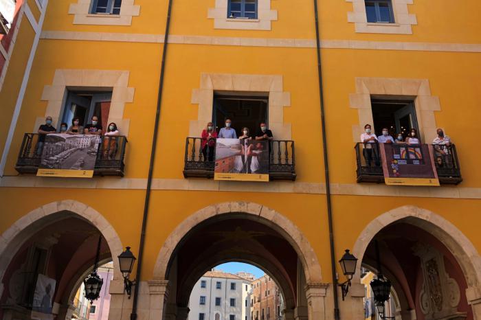 PhotoEspaña recala en Cuenca con 50 imágenes tomadas desde ventanas y balcones durante el confinamiento