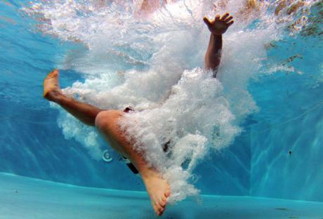 Diputación invertirá este año 25.000 euros en el tratamiento de 121 piscinas municipales al aire libre de 117 localidades