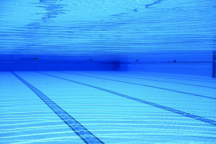 Diputación mantiene su apoyo a los Ayuntamientos para el tratamiento de las piscinas municipales al aire libre
