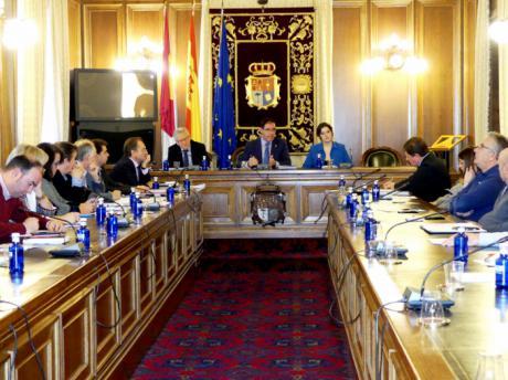 Diputación aprueba por unanimidad la modificación parcial del Acuerdo Marco y el Convenio Colectivo