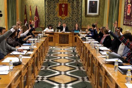 Antonio Pérez en nombrado 'Hijo Adoptivo' de la ciudad