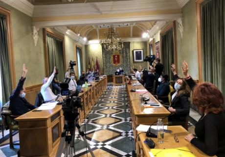 El Pleno aprueba por unanimidad una moción conjunta para la recuperación y mejora de los servicios de Alta Velocidad en la ciudad