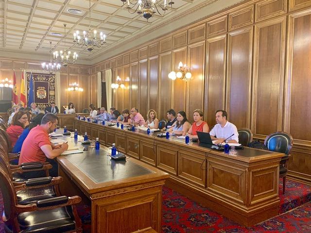 El Pleno de la Diputación aprueba la adhesión al Plan de Empleo del Gobierno regional